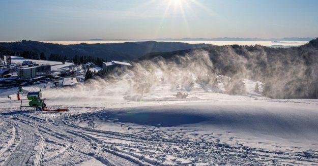 Melting Ski Resorts Have a Snow Machine Problem