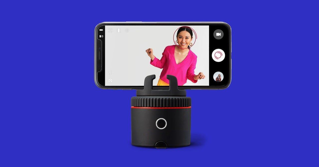 Pivo Pod Review: A Camera Assistant for Aspiring Social Media Stars